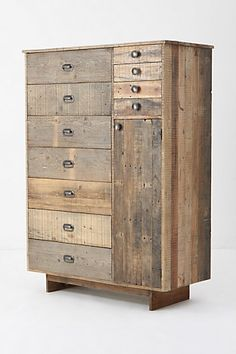I love the wood used, although I would prefer to see the round drawer pulls replaced with some mismatching vintage ones.