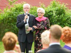 Traditionell halten die Brauteltern zu erst ihre Hochzeitsreden