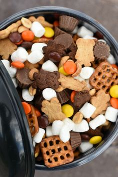 Perfect Peanut Butter S'mores Snack Mix - Perfect Peanut Butter S'mores Snack Mix – Fun-Squared Informations About Perfect Peanut Butter S - Fall Snacks, Lunch Snacks, Snacks Kids, Yummy Snacks, Yummy Food, Kids Snack Mix, Kid Lunches, Preschool Snacks, Fruit Snacks