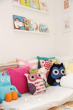 uggla,barnrum,kuddhörna,myshörna,kuddar,läshörna,moln,färg och form,tavellist,bokförvaring