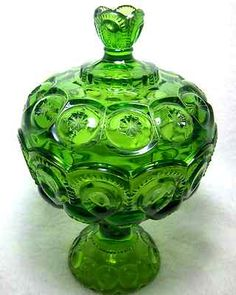 L.E.Smith Glass Moon Stars Covered Candy Dish Pedestal Footed Green Vintage