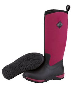The Muck Boot Arctic Adventure in maroon is a super light tall neoprene Wellington boot. The Arctic Adventure is fleece lined making it warm and very comfortable with a stretch fit top making it easy to pull on and off. This boot is perfect for walking in the wet and muddy British countryside while looking and feeling great!  These are extremely warm wellies with a comfort range of -30°C to 10°C.      100% Waterproof     Fleece Lining for extra warmth     Multi-purpose rubber sole for…