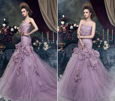 Sellőfazon virágokkal tüllből. Colored Wedding Dresses, How Beautiful, Ball Gowns, Formal Dresses, Fashion, Ballroom Gowns, Dresses For Formal, Moda, Ball Gown Dresses
