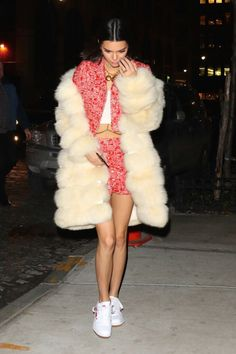 Some days you just have to roll out your big fur coat, Kendall Jenner style. Kendall Jenner Outfits, Kendall And Kylie, Chinchilla, Celebs, Celebrities, Naomi Campbell, Kate Moss, Bella Hadid, Rihanna