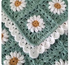 Love the daisies and border