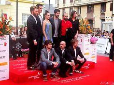 Foto: Festival Cine de Málaga Y otro momento más, captado por los fotógrafos a la llegada al Teatro Cervantes.Por fin se estrenaba  para el público malagueño,VIRAL. (18:50 horas, 24 de abril de 2013)