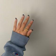 @IzzyGosper #nails #asthetic #gold #hypebeast Hypebeast, Fingerless Gloves, Arm Warmers, Silver Rings, Nails, Gold, Mittens, Finger Nails, Fingerless Mitts