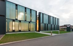 it:Sede Glas Italia.Piero Lissoni;en:Glas Italia Headquarters.Piero Lissoni;es:Sede Glas Italia.Piero Lissoni