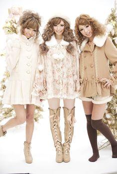 http://sweetyrainydays.blogspot.com/2015/05/fashion-post-gyaru-inspiration.html…