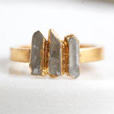 raw quartz ring / quartz stacking ring / gemstone ring / quartz point ring / gold quartz ring / dainty ring /raw stone ring / stackable ring