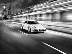 Una constante combinación de formas cóncavas y convexas. También un estilo cierto: el propio. Porsche Cayman S 2009