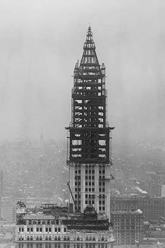 tower construction of the Woolworth Building on Broadway, New York City, which was completed in April 1913