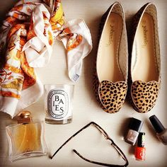 #cheetah and #hermes 👜🌼🍂🔑 @johnnieb_official #24faubourg #chanel #opi #jigsaw #luxe #diptyque #jcrew #styleblogger #style #jennalyons #oliviapalermo #stylist #boden #designer