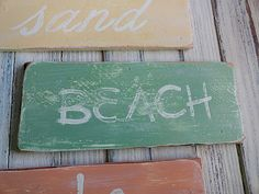 how to make weathered beach signs!  awesome tutorial via @amandascookin