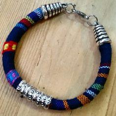 Pulsera cordón étnico azul