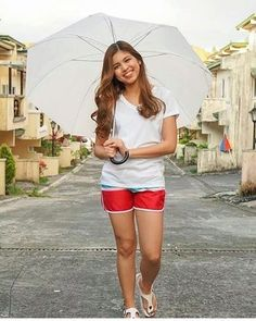 Ynnam Maine Mendoza Outfit, Alden Richards, What Happened To Us, Filipina, Celebs, Celebrities, Film Festival, White Shorts, Actresses