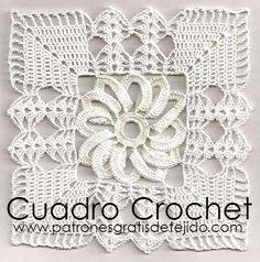 Cuadro tejido a crochet con centro de flor