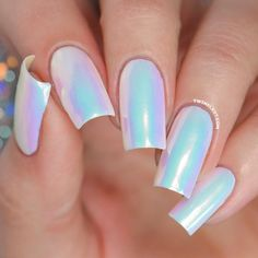 False nails have the advantage of offering a manicure worthy of the most advanced backstage and to hold longer than a simple nail polish. The problem is how to remove them without damaging your nails. Cute Acrylic Nails, Gel Nails, Gel Powder Nails, Crome Nails, Unicorn Nails Designs, Rainbow Nail Art Designs, Girls Nail Designs, White Nails, Colorful Nails