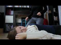 Pierwsza pomoc - osoba nieprzytomna oddychająca i pozycja bezpieczna