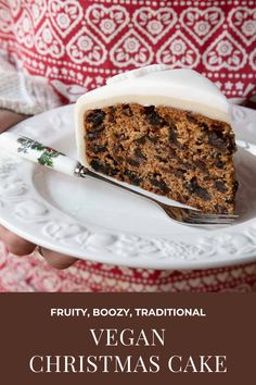 A recipe for fruity, boozy vegan Christmas cake full of traditional festive flavours, made without eggs or dairy produce. Vegan Christmas Desserts, Vegan Christmas Dinner, Christmas Appetizers, Christmas Baking, Vegan Desserts, Christmas Recipes, Vegan Recipes, Chrismas Cake, Traditional Cakes