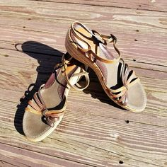 B O C Brown Wedge Sandal Size 9 Braided Leather With