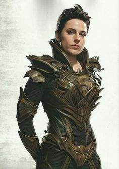 I present to you Faora from Man of Steel, with proof that women can be fully armored and still be SEXY.: