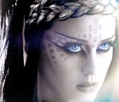 """Katy Perry from """"ET"""" music video costume makeup look Theme Halloween, Halloween Makeup, Halloween Dress, Alien Make-up, Giger Alien, Alien Girl, Katy Perry Music Videos, Bald Cap, Hr Giger"""
