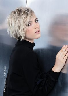 Tagli corti le tendenze più cool del nuovo anno - Neue Frisuren 💇 Short cuts the coolest trends of the new year Haarschnitte Short Shaggy Haircuts, Short Choppy Hair, Short Shag Hairstyles, Short Hair With Layers, Short Blonde, Short Hair Cuts, Blonde Hair, Short Shaggy Bob, Layered Hairstyles