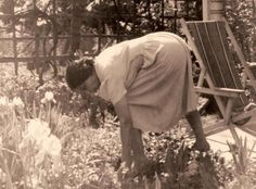 Anne Spencer in her garden. I would love to visit the house/garden in VA one of these days. Norton Anthology, American Poetry, Harlem Renaissance, Maryland, Virginia, Garden Ideas, Funny Quotes, Gardens, House