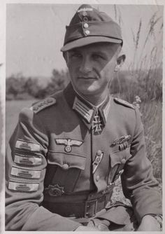 Hauptmann Ferdinand Frech March 1920 - 25 January Knights Cross of the Iron Cross on 5 December 1943 as Oberleutnant Chief of the 2 German Soldiers Ww2, German Army, Military Photos, Military History, Luftwaffe, Walter Model, German Uniforms, Military Uniforms, American War