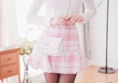 pretty and adorable outfit!<3