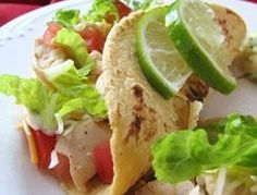 Chicken Tacos Spicy and Simple When it's dinnertime and you're craving Mexican, nothing will do but a plate of spicy tacos and some fresh salsa. Chicken Tacos See How It's Made The Best Cinco de Mayo Celebrations Tortilla Wraps, Food Dishes, Main Dishes, Super Bowl Essen, Tacos Mexicanos, Great Recipes, Dinner Recipes, Cocktail Recipes, Easy Recipes
