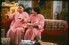 Mork & Mearth from Mork & Mindy. Remembering funny people and a funny TV show. R.I.P. Robin Williams and Jonathan Winters.