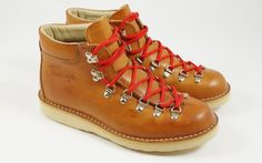 http://fracapold.makelink.it/shop/product.php?name=hiking-boots-m120-04
