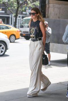 "vogueably: ""hey babe."" www.fashionclue.net| Fashion Tumblr, Street Wear &…"