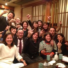 Norman Reedus, Andrew Lincoln with a large group of fans in Japan. Walking Dead Actors, Fear The Walking Dead, Sean Patrick Flanery, Murphy Macmanus, Walker Stalker, Ray Ban Men, Stuff And Thangs, Famous Men, Favorite Words