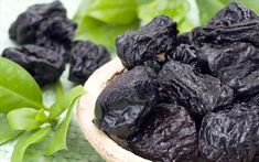 Dried Prunes - Best Solution For Your Digestive System Reiki, Dried Prunes, Edible Plants, Bone Health, Health Remedies, Superfoods, Food For Thought, Love Food, Natural Remedies