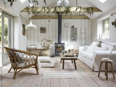 Home Decorating Style 2019 for 11 Rustic Living Rooms Lighting, Recommended Ideas for this Year, you can see 11 Rustic Living Rooms Lighting, Recommended Ideas for this Year and more pictures for Home Interior Designing 2019 at Homedecorlinks. Summer House Interiors, Cabin Interiors, Ikea Home, Farmhouse Remodel, Mediterranean Decor, Home Fashion, Small Spaces, Family Room, New Homes