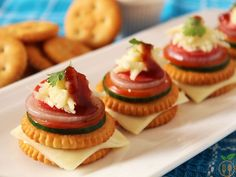 Monaco Biscuit Canapes also known as Monaco Biscuit Toppings. It is a quick tangy tasty finger food and perfect for party snacks. It is relaxing and healthy snacks that no one can ignore especially kids. Kid Party Appetizers, Birthday Party Snacks, Snacks Für Party, Easy Appetizer Recipes, Gourmet Recipes, Snack Recipes, Kid Snacks, Canapes Recipes, Party Recipes