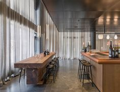 Universal Design Studio banks on art for At Six Hotel - News - Frameweb