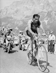 Tour de France 1952. 11^Tappa, 6 luglio. Le-Bourg-d'Oisans > Sestrières. Col du Galibier. Fausto Coppi (1919-1960)