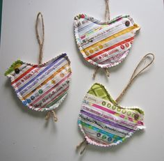 SELVAGE Christmas Ornaments Little Holiday Birds to Brighten your Tree. Love that the hanger comes down to be feet. make a garland Old Quilts, Scrappy Quilts, Small Quilts, Fabric Ornaments, Felt Ornaments, Christmas Ornaments, Quilting Projects, Sewing Projects, Little Presents