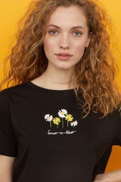 T-shirt court - Noir/fleurs - FEMME | H&M CA 1