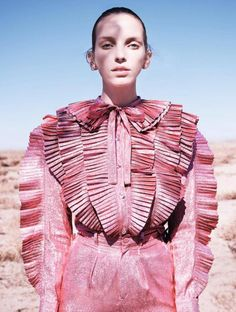 Pink Lady, L'Express Styles March 2017 •