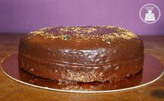 Torta al cioccolato e frutto della passione - Chocolate and passionfruit cake