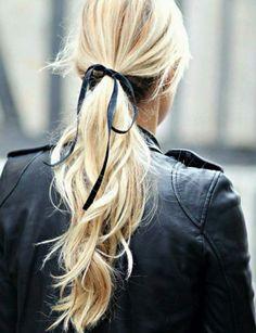 Simple ribbon.