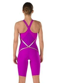 Brand: SpeedoColor: PurpleFeatures: Dual fabric construction, which offers higher levels of compression, combined with increased freedom of movement. LZR Racer Pulselite light, powerful & durable fabric. LZR Racer Comprex one way stretch for higher compression. Laser cut straps provides the optimum balance between