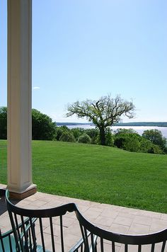 View from Mount Vernon porch.  Mr. Washington does have a lovely river front property.