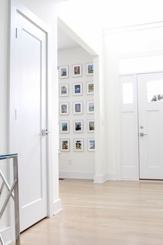 Home Decor Cozy Decor Talks: 3 Reasons Why I Love a Gallery Wall.Home Decor Cozy Decor Talks: 3 Reasons Why I Love a Gallery Wall Diy Home Projects Easy, Hurry Home, Home Design Floor Plans, Modern Office Design, Interior Decorating, Interior Design, Diy Home Improvement, Home Decor Inspiration, Gallery Wall