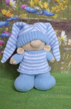 Bed time gnome knitting pattern knitted in dk , knitting needle size , approx size 30 cm tail to top of hat Free Knitting Patterns Uk, Owl Knitting Pattern, Loom Knitting, Baby Knitting, Start Knitting, Knitted Dolls, Double Knitting, Stuffed Toys Patterns, Knitting Projects